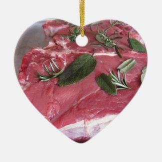 Adorno De Cerámica Filete veteado crudo fresco de la carne