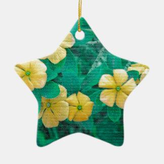 Adorno De Cerámica Flores amarillas en la naturaleza