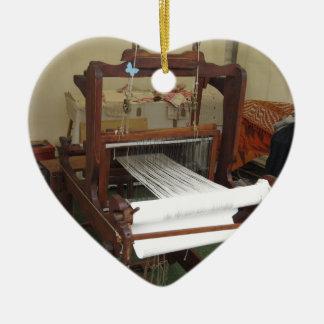 Adorno De Cerámica Funcionamiento antiguo de la máquina del hilandero