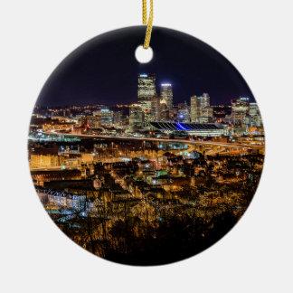 Adorno De Cerámica Horizonte de Pittsburgh en la noche