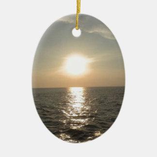 Adorno De Cerámica La puesta del sol en la isla de Bantayan en las