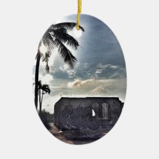 Adorno De Cerámica Las ruinas en la isla de Bantayan