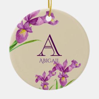 Adorno De Cerámica Monograma floral botánico del iris púrpura de la