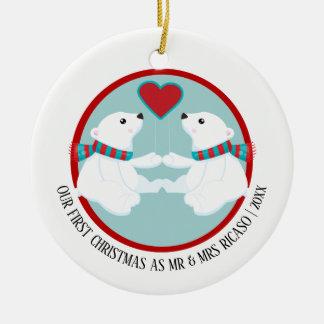 Adorno De Cerámica Nuestro oso polar del primer navidad personalizado