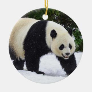 Adorno De Cerámica Pandas gigantes de Smithsonian el   en la nieve