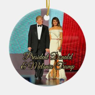 Adorno De Cerámica Presidente Donald Trump y foto de Melania
