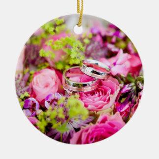 Adorno De Cerámica Ramo del boda con las bandas del anillo de bodas