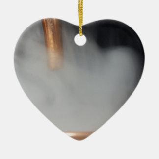 Adorno De Cerámica tubo de cobre de una destilería con vapor