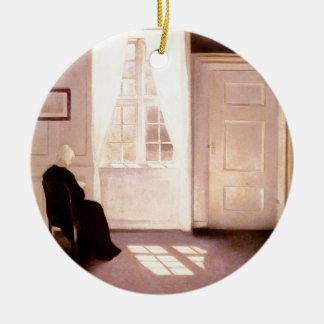 Adorno De Cerámica Una lectura de la mujer por una ventana