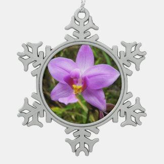 Adorno De Peltre Tipo Copo De Nieve Flor tropical púrpura de la orquídea salvaje