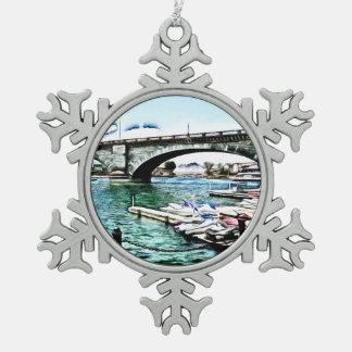 Adorno De Peltre Tipo Copo De Nieve Puente de Londres en la ciudad de Lake Havasu,