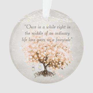 Adorno El amor nos da el boda del árbol de la hoja del