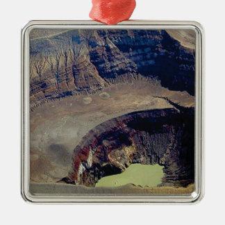 Adorno Metálico cráter volcánico profundo