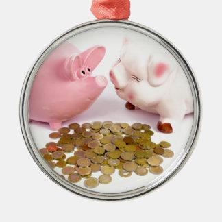 Adorno Metálico Dos huchas con las monedas euro en blanco