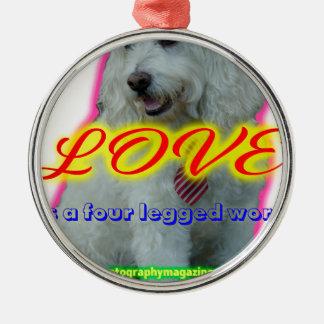 Adorno Metálico El amor es una palabra legged cuatro