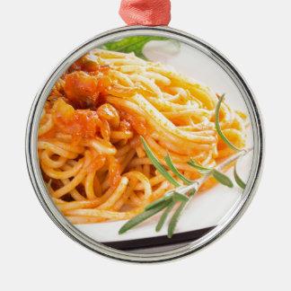 Adorno Metálico Espaguetis italianos con el primer vegetal de la