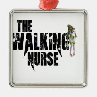 Adorno Metálico La enfermera que camina