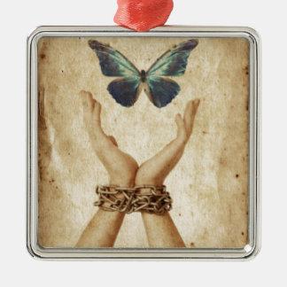 Adorno Metálico Mano encadenada con la mariposa que asoma arriba