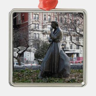 Adorno Metálico Monumento de Eleanor Roosevelt