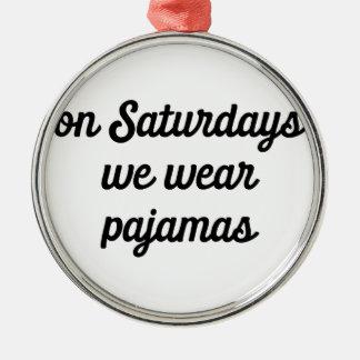 Adorno Metálico Pijamas de sábado