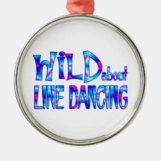 Adorno Metálico Salvaje sobre la línea baile