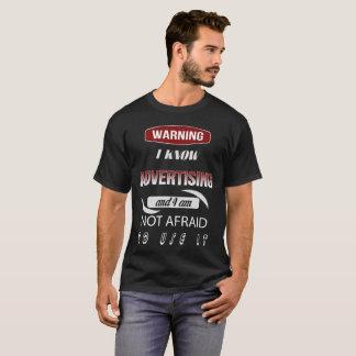 Advirtiendo sé que la publicidad y yo no tengamos camiseta