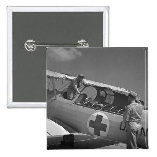 Aeroplano de la Cruz Roja WW2 Pin