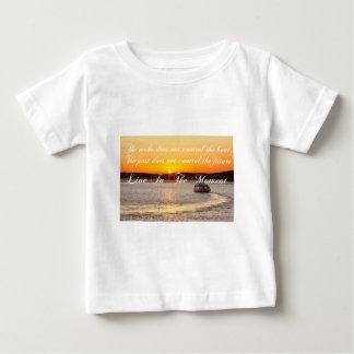 Afirmación de pensamiento positiva camiseta de bebé