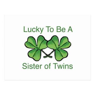 Afortunado para ser hermana gemela postal