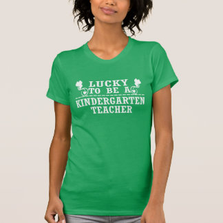 Afortunado para ser un MAESTRO DE JARDÍN DE Camiseta