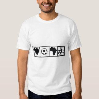 África para África por Kihiko - corazón en el Camisetas