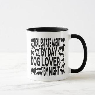 Agente inmobiliario del amante del perro taza
