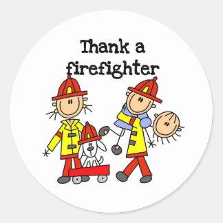 Agradezca a un bombero pegatina redonda