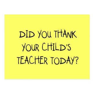 Agradezca las camisetas y los regalos del profesor postal