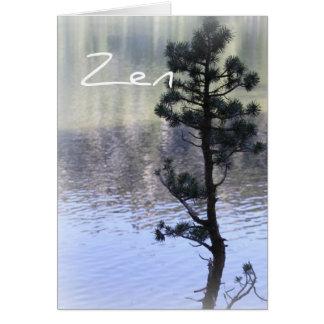 Agua de la reflexión del zen y tarjeta del árbol