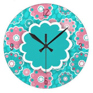 Aguamarina enrrollada y extracto floral rosado reloj redondo grande