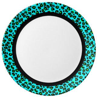 Aguamarina y leopardo de la cal con la banda negra plato de porcelana