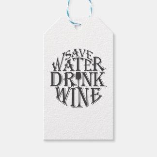 Ahorre el agua y beba el diseño de la cita del etiquetas para regalos