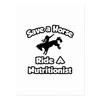 Ahorre un caballo, monte a un nutricionista tarjeta postal