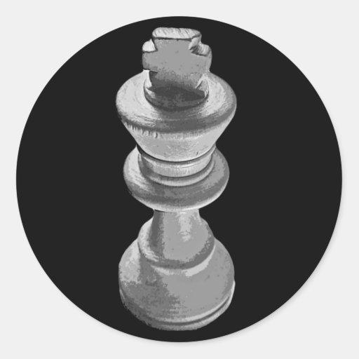 Ajedrez, rey blanco, blanco y negro pegatina redonda