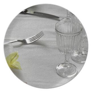 Ajuste de la tabla para el navidad o el otro plato de comida