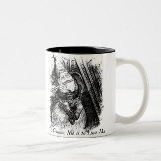 Al gnomo debe amarme (la taza) taza de café de dos colores