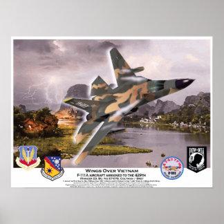 Alas de F-111A sobre el Aardvark de Vietnam Póster