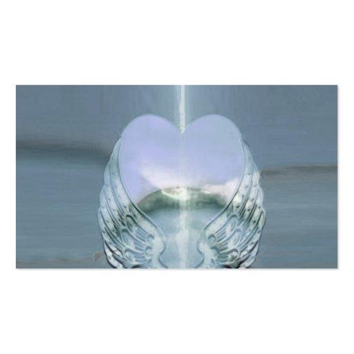 Alas de plata envueltas alrededor de un corazón plantillas de tarjeta de negocio