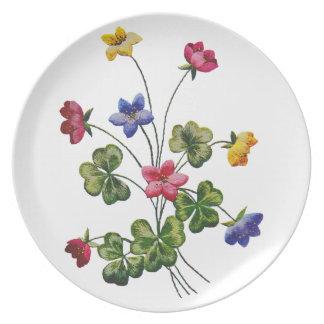 Alazán de madera colorido bordado platos