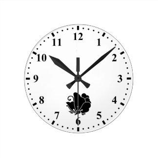 alazán de madera Mariposa-formado Reloj Redondo Mediano