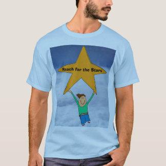 Alcance para la camisa de las estrellas