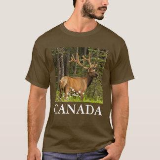 Alces de Bull en el terciopelo, Canadá Camiseta