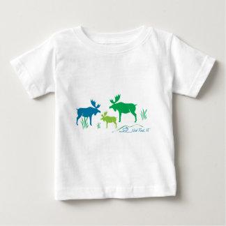 Alces de la charca de Neal Camisetas