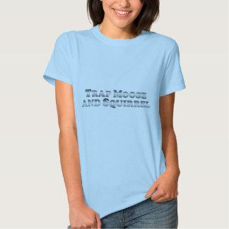 Alces y ardilla de la trampa - básicos camiseta